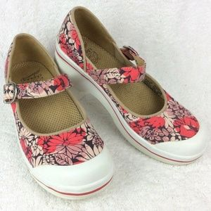 Dansko VALERIE Canvas Shoes 7.5-8 38 Hawaiian